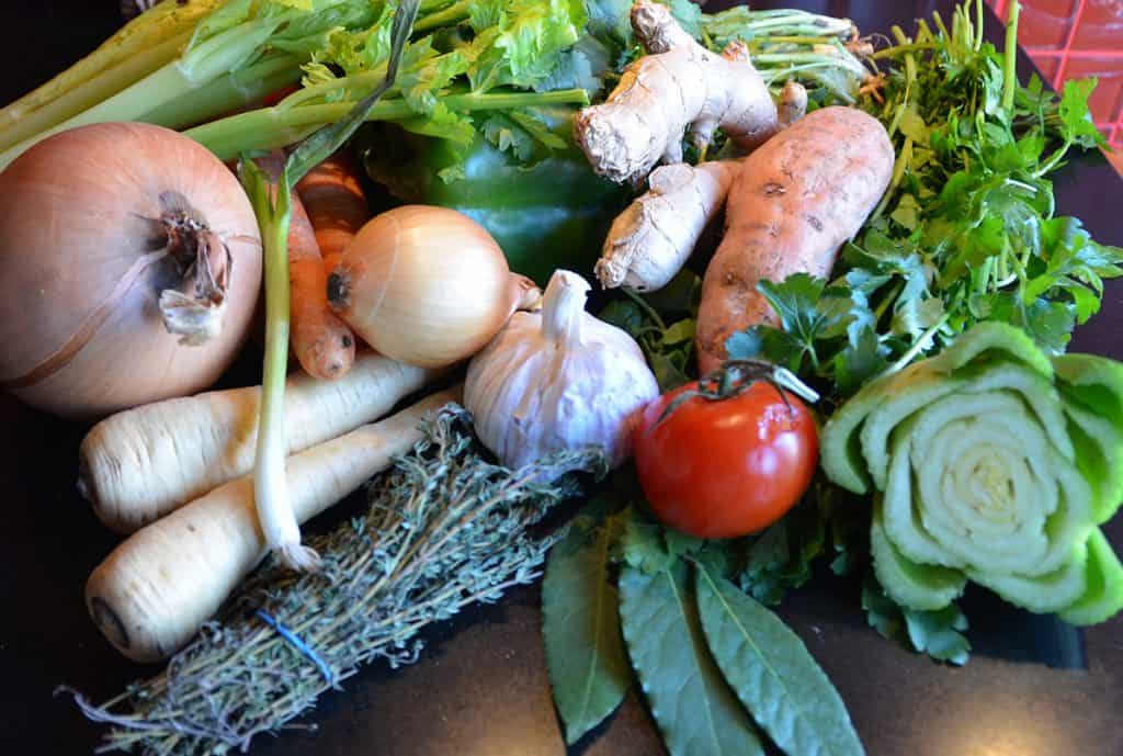 Assorted vegetables to make a pure vegetable broth