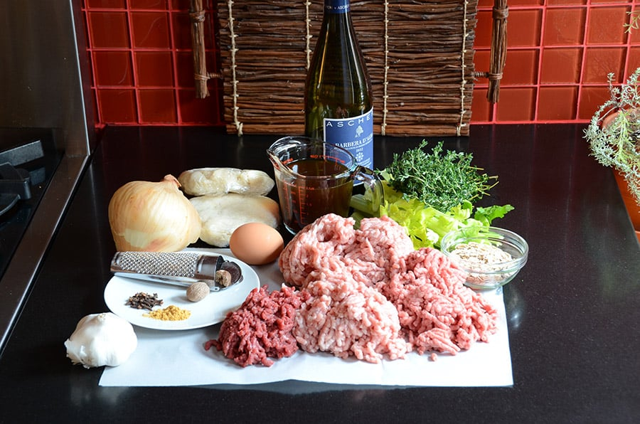 Ingredients for traditional meat pie