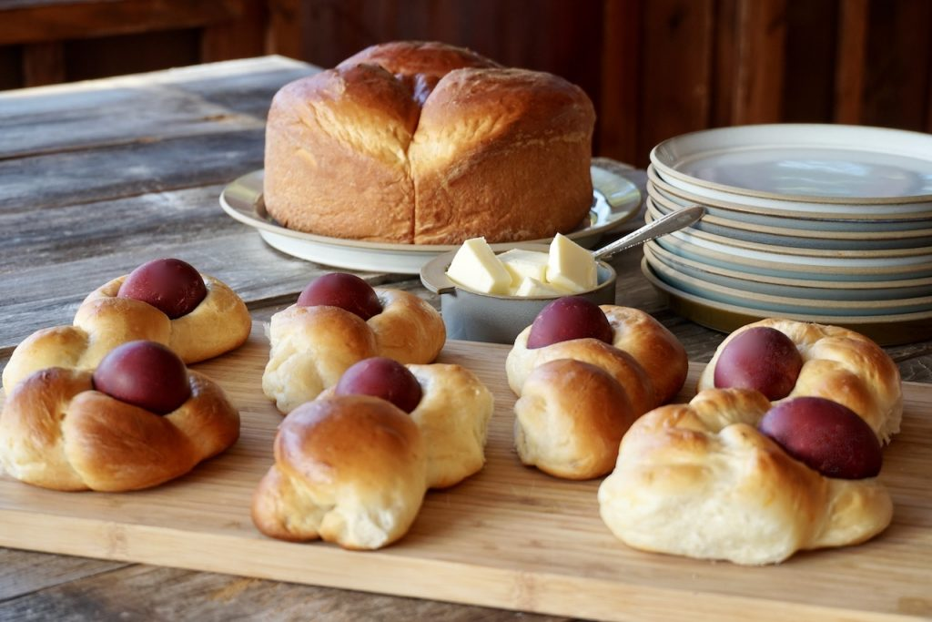 Large and small versions of the easter bread