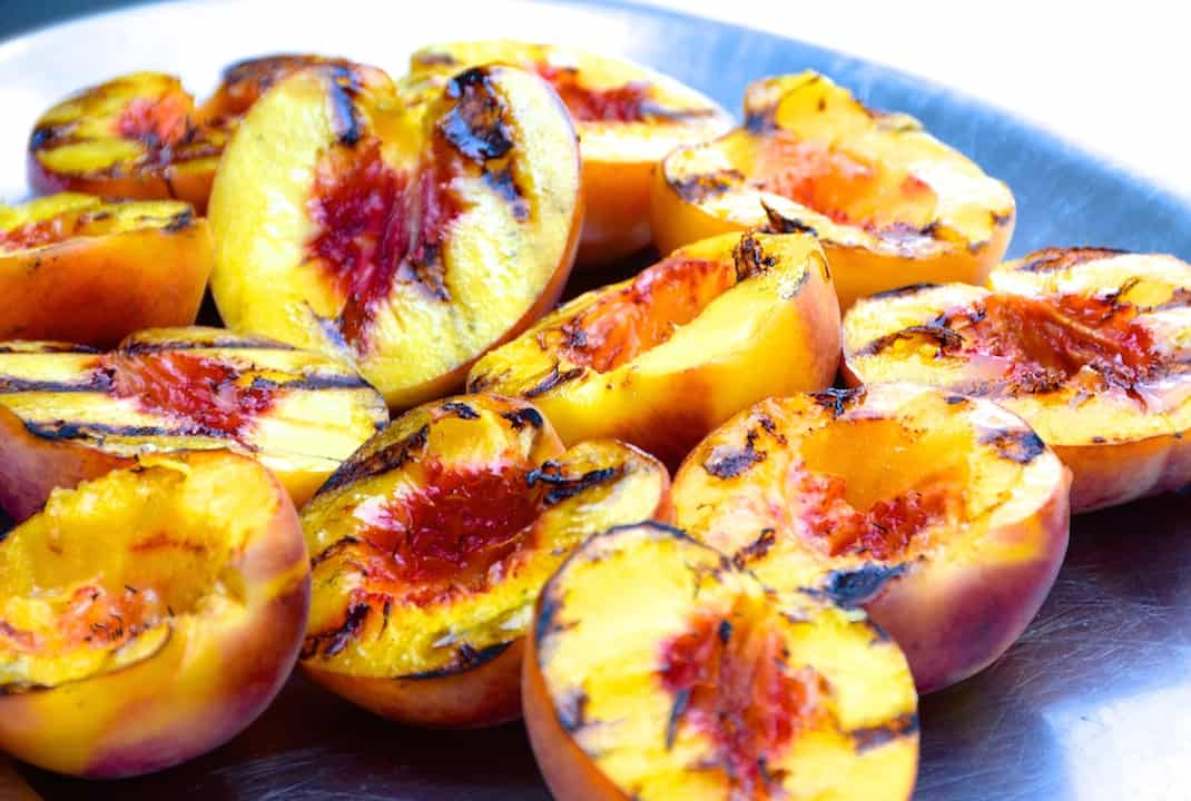 Grilled Peaches with Mascarpone and Praline
