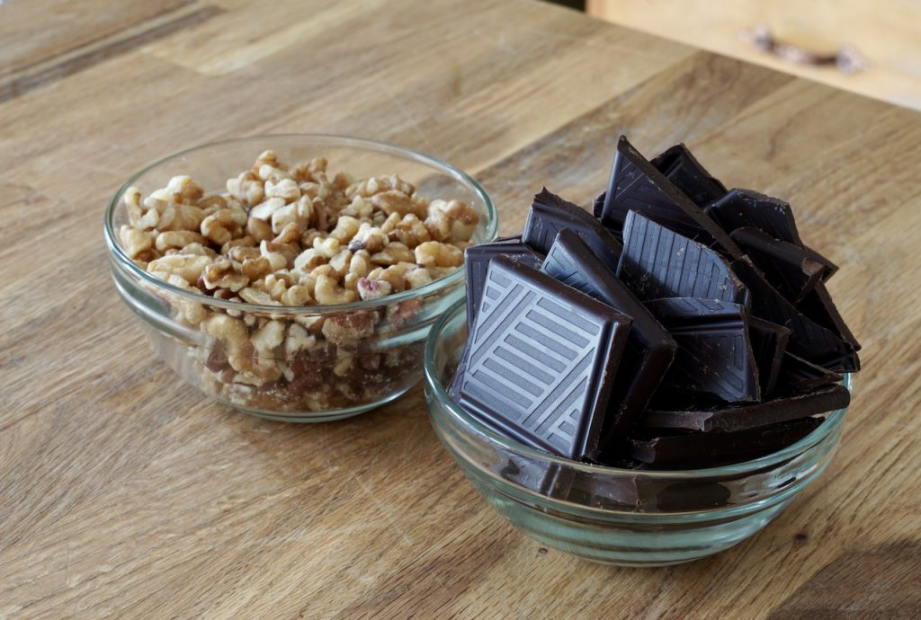 Dark chocolate and chopped walnuts for the brownie recipe