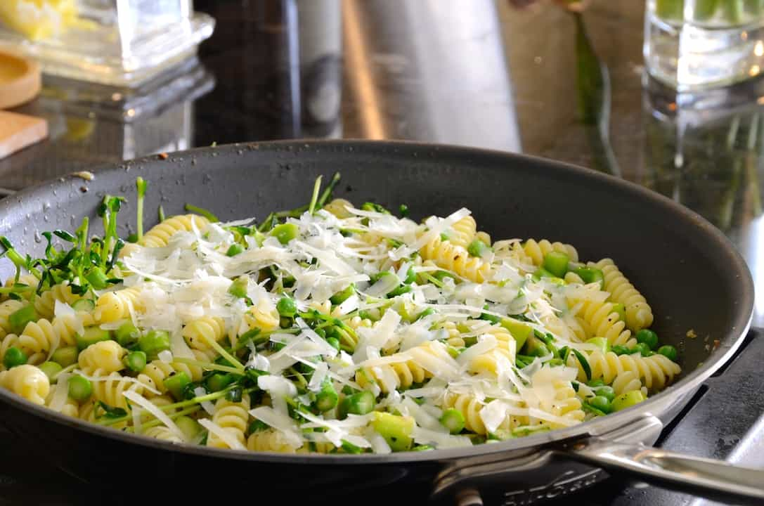 Pasta Primavera With Peas and Asparagus
