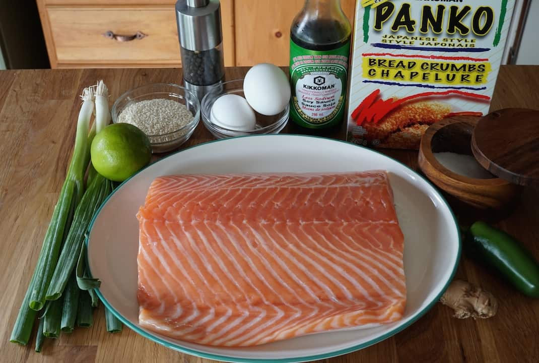 Ingredients for the grilled salmon burgers
