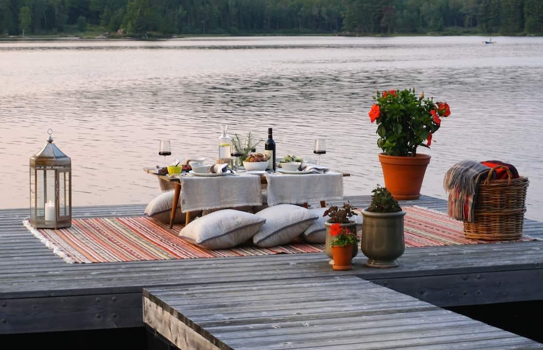Dinner On The Dock