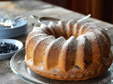 Blueberry Bundt Cake dusted with icing sugar