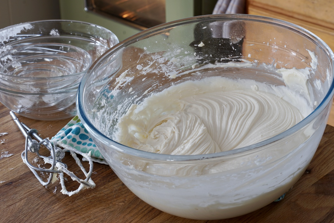 Lemon Cream Cheese Icing