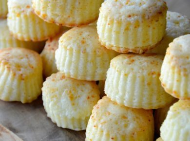 Close up of these delicious cheese puffs