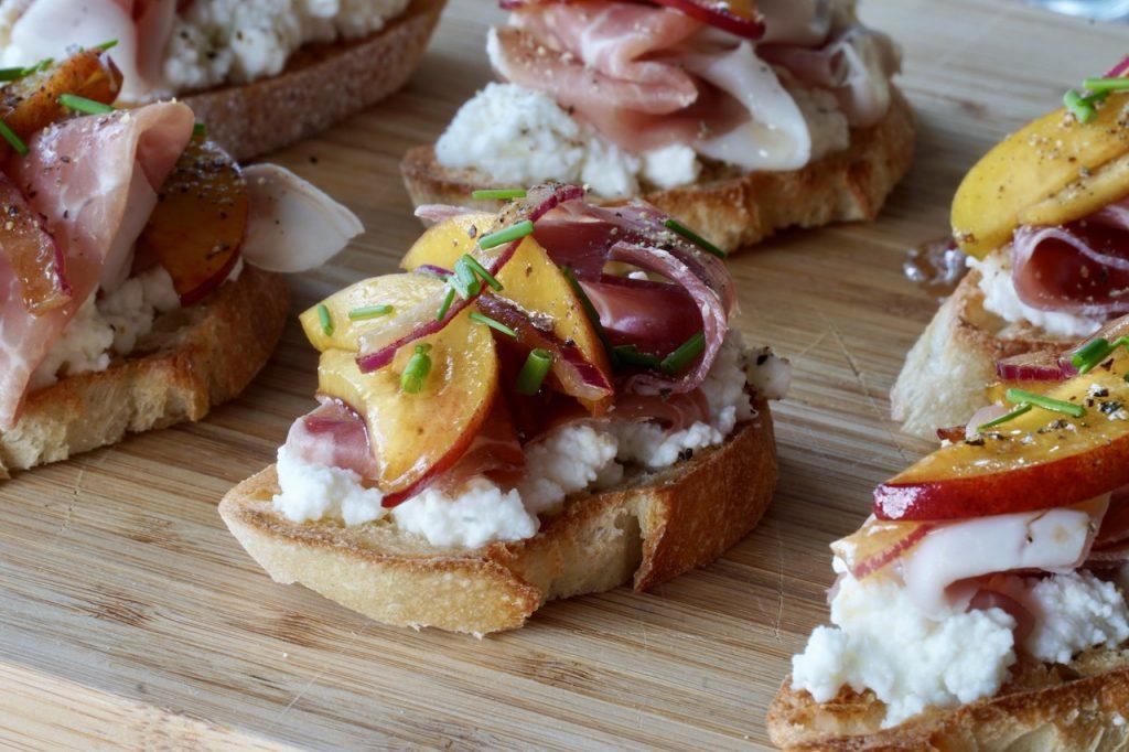 Peach & Prosciutto Crostini