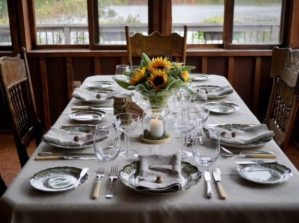 A gathering of ideas to inspire an inviting tablescape, perfect for entertaining during the fall season…
