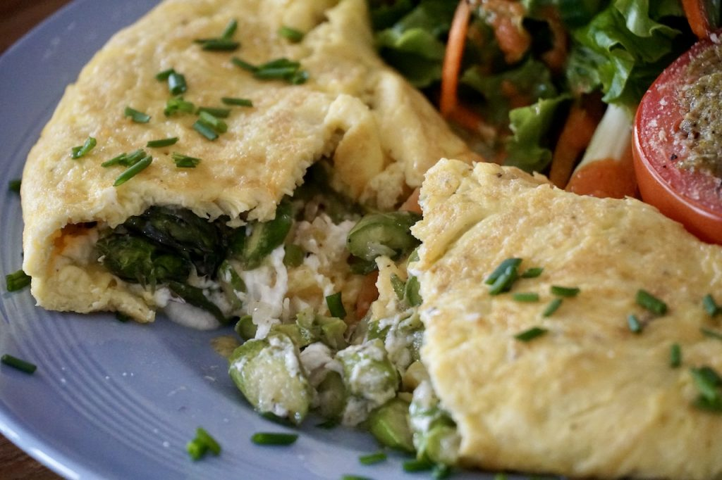 A soft and creamy centre in the omelette