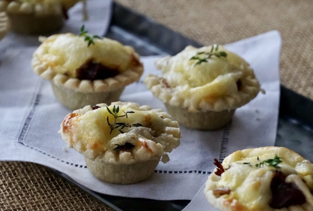 Mini Tarts with Roast Beef and Gruyère