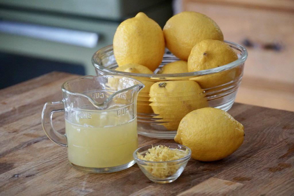 The lemon prepared for the recipe