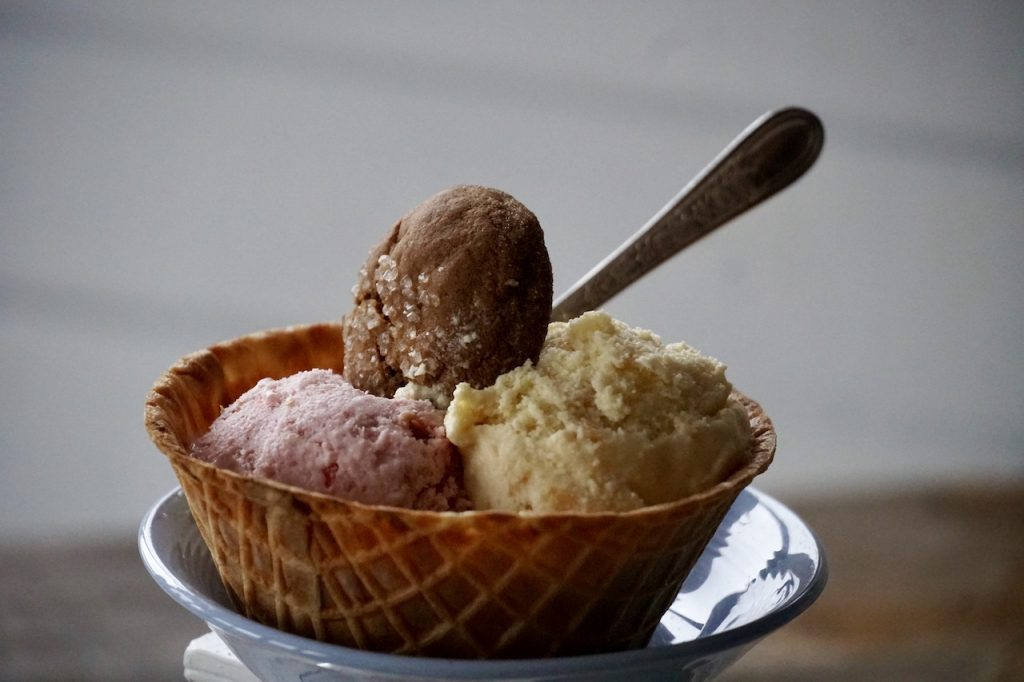 Homemade ice cream with gingersnap cookies