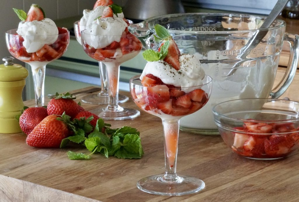 Strawberry Romanoff Sundaes