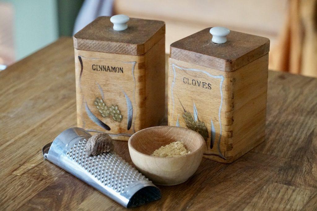Cinnamon, nutmeg, ginger and cloves for the scones recipe