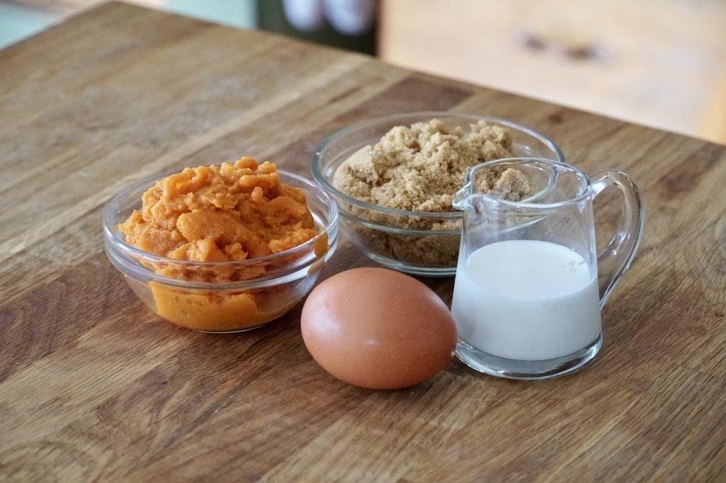Pureed pumpkin, dark brown sugar, egg and cream