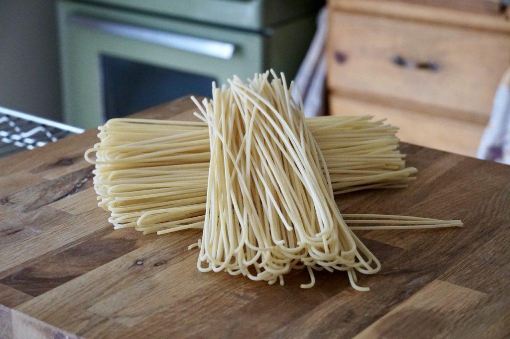 Extra long linguine pasta noodles
