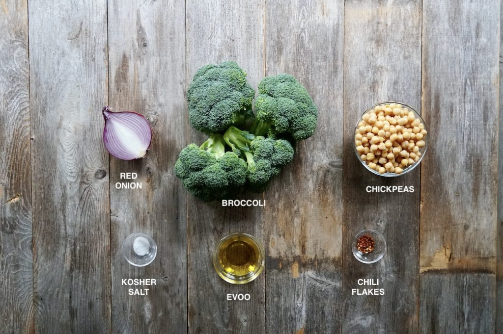 Ingredients for oven-roasted broccolili